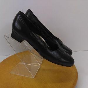 Trotters Women's Leather Heel Slip On Loafers